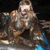 mud-wrestling_opt